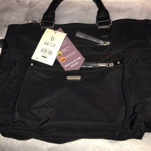 Large baggallini bag